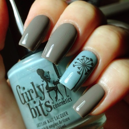 Gray and blue nails