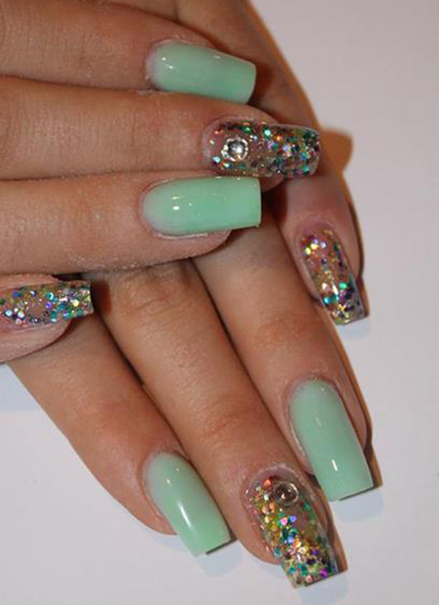 Light green nails