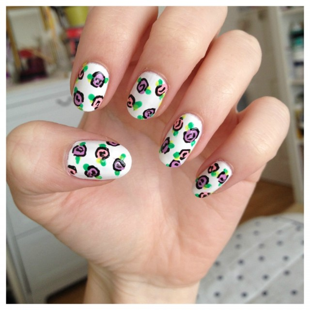 Simple floral nail art