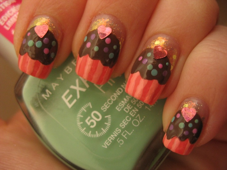 Cupcake nails with dots
