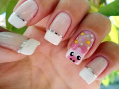 Pretty pig nails for French manicure