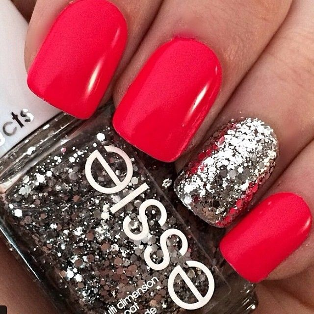 Glittering red nails