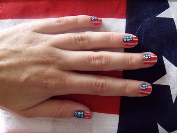Sequins American flag inspired nail design