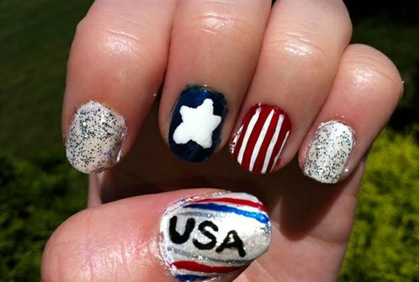 Beautiful American flag inspired nail design