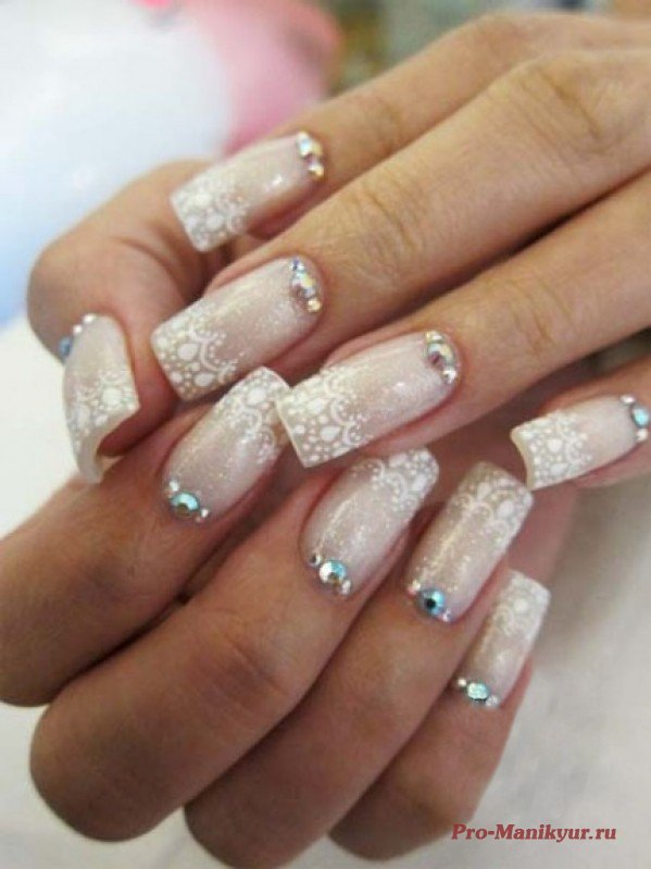 Stylish wedding nails