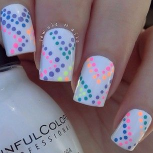 Colorful point nails