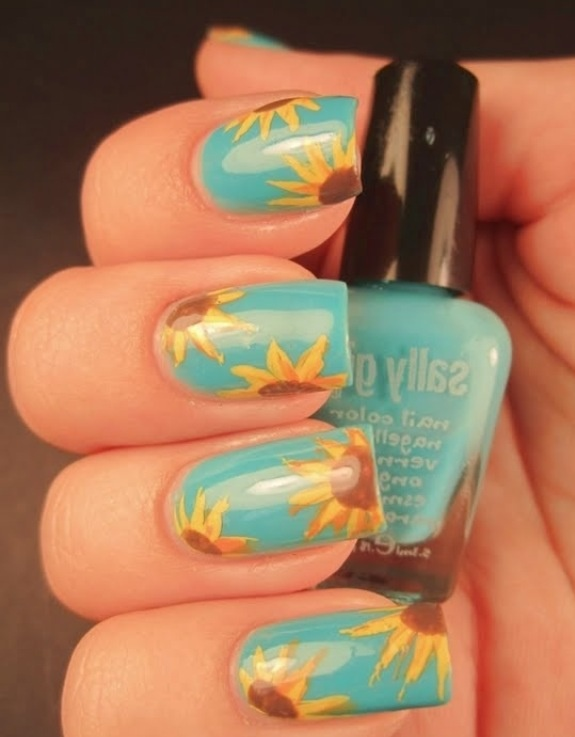 Blue nails with sunflower