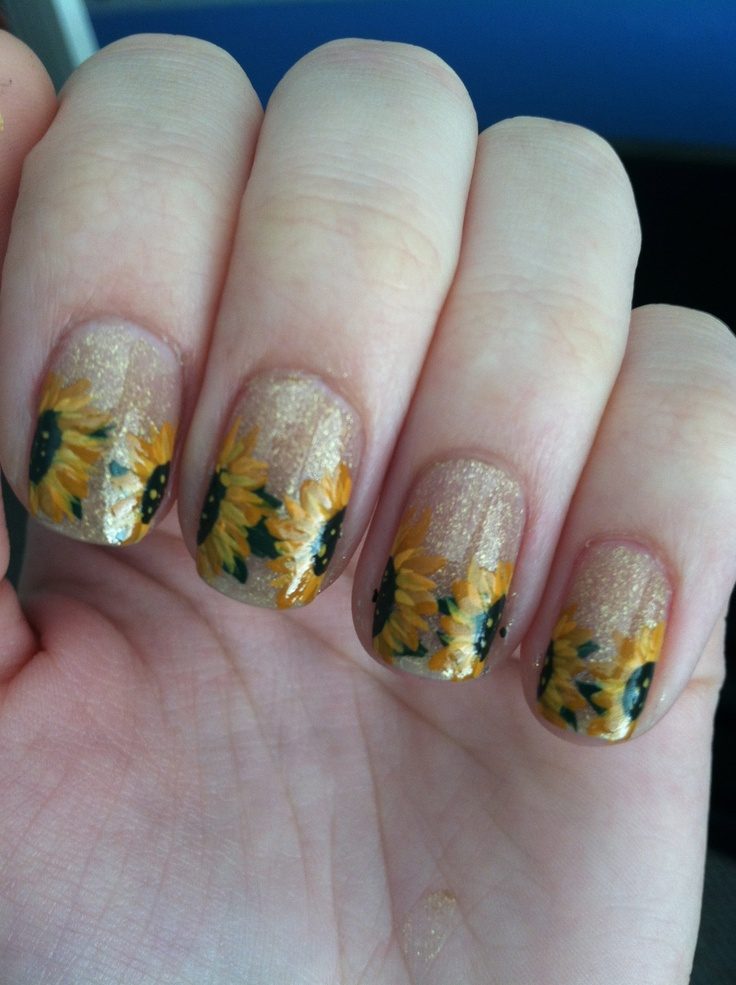 Sunflower nails with glitter