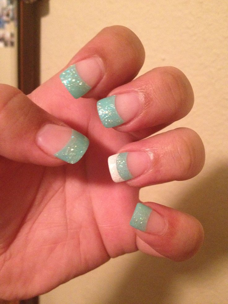 Simple blue-green nails