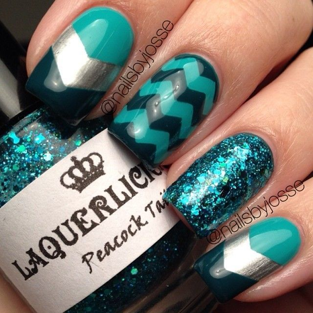 Chevron Teal Nails