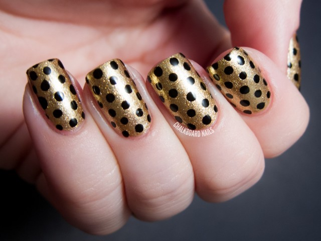 Dotted gold nails art design