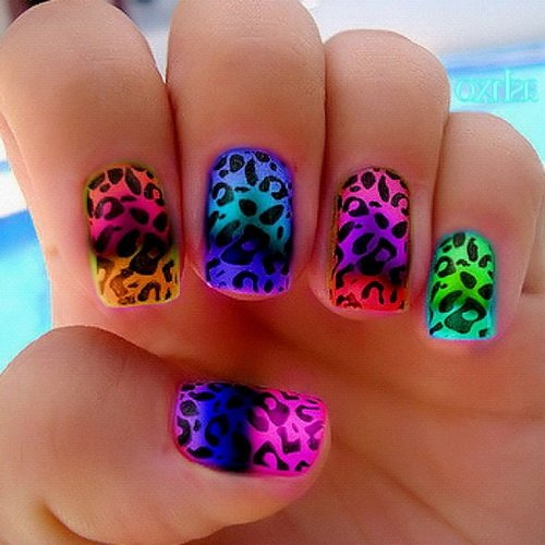 Colorful nail design with leopard print