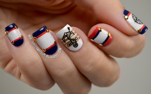 Hot nautical nails