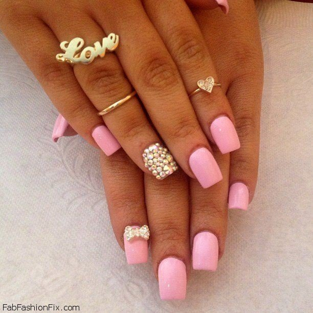 Nude nails with pearls