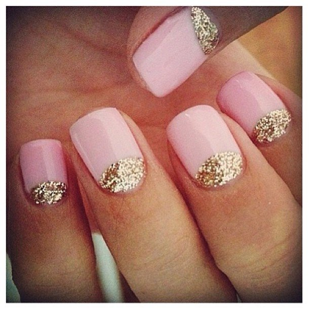 Bare nails with glitter