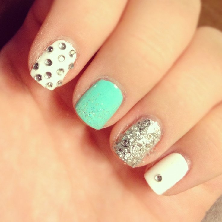 Colorfully decorated gemstone nails