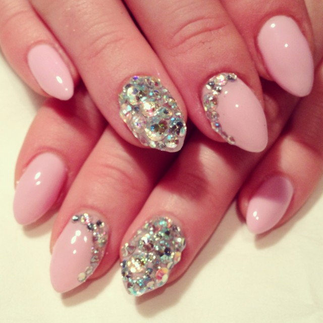 Decorated pink nails for elegant nail designs