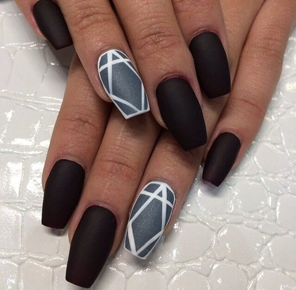 Black nails for fine nail designs
