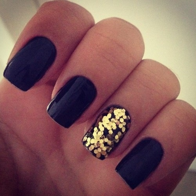 Black and gold nails for elegant nail designs