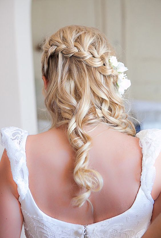 Waterfall-hair-with-flowers over