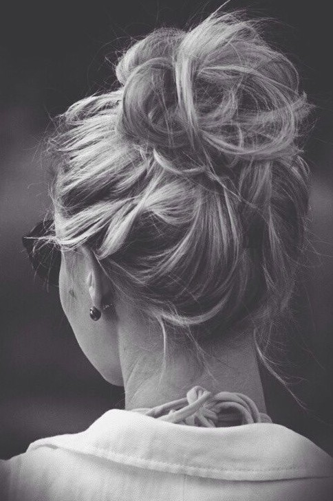Quick and easy messy updo