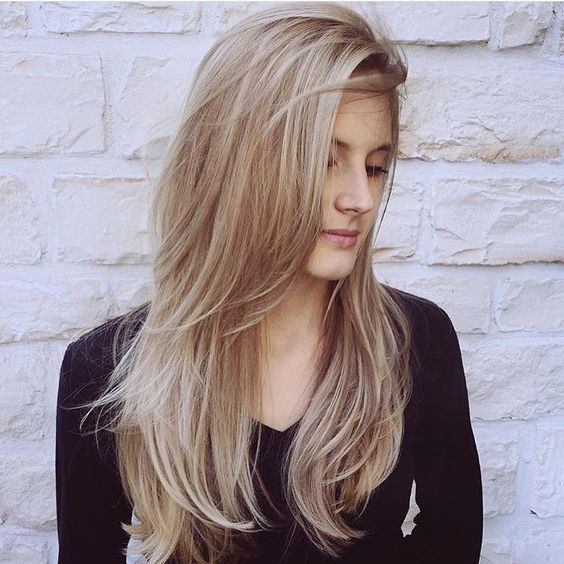 Casual long wavy hairstyle