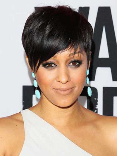 Trendy pixie haircut for women over 40