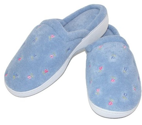 Isotonic women embroidered clog