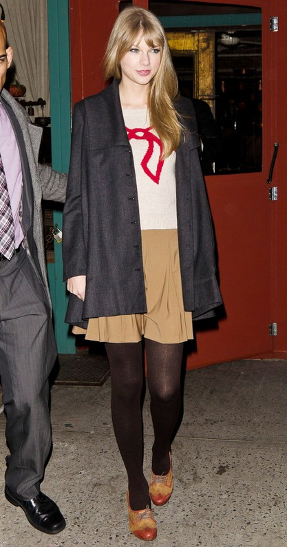 Taylor Swifts Flat Oxfords-Brown & Red