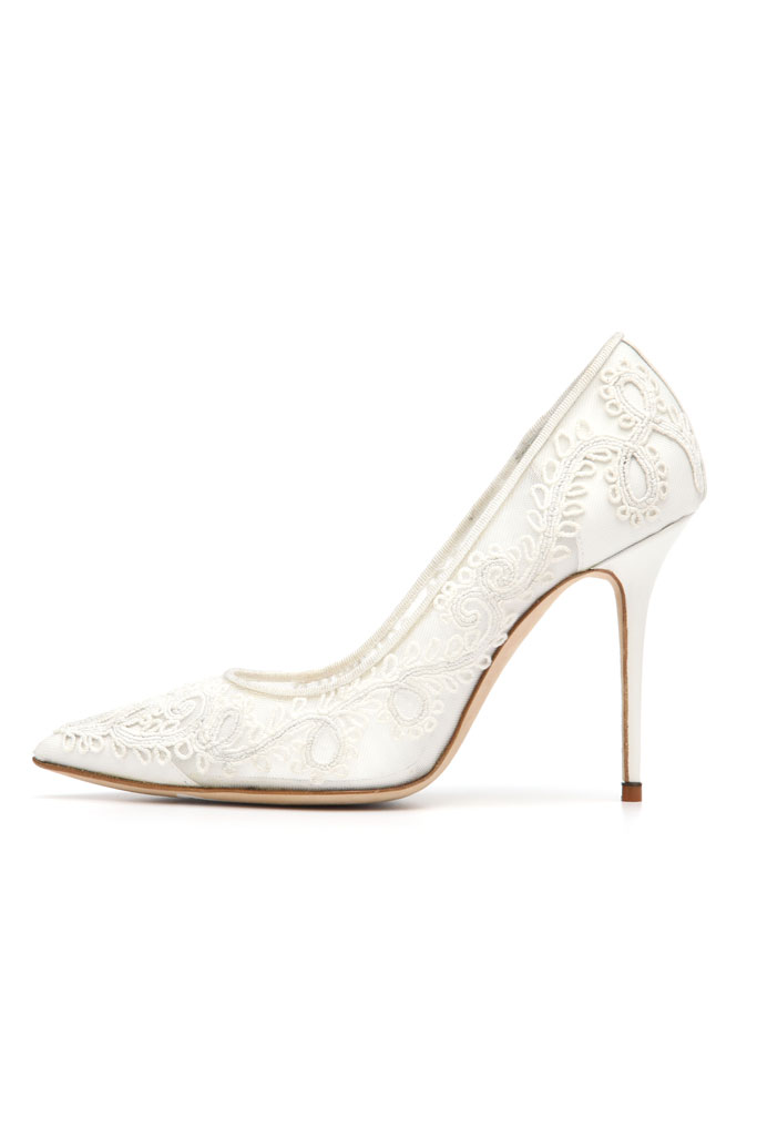 Spring 2014 Manolo Blahnik pumps, white