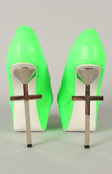 Rear view of the privileged Mystery Neon Metallic Cross Platform Pump