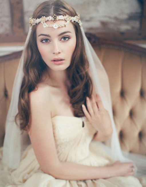Long wavy hairstyle with veil