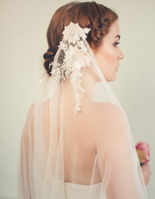 Bride updo hairstyle with veil