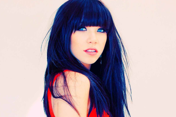 Dark blue long hairstyle with bangs