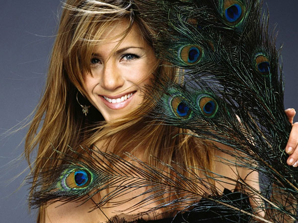 Jennifer Aniston dark brown hairstyle