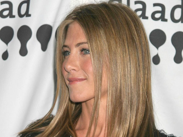 Jennifer Aniston straight hairstyle