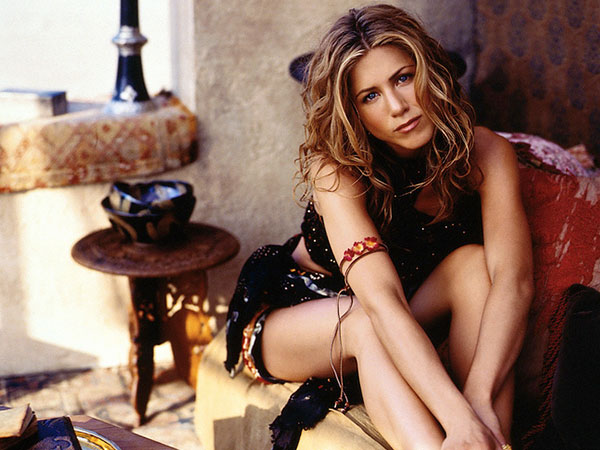 Jennifer Aniston Long Curly Hairstyle