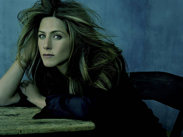 Jennifer Aniston Long Hairstyle with Blonde Highlights