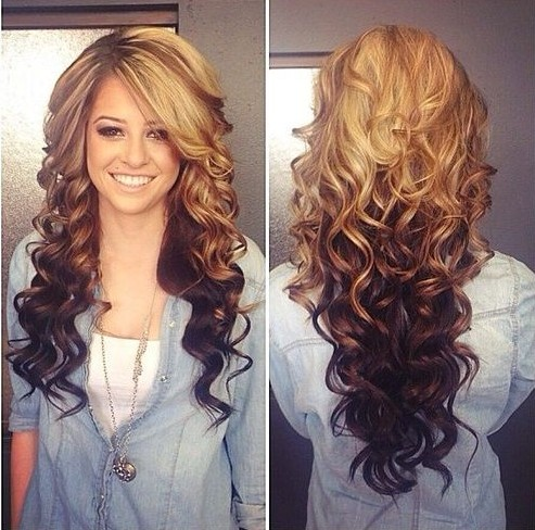 Long curly wavy hairstyle for blonde ombre hair