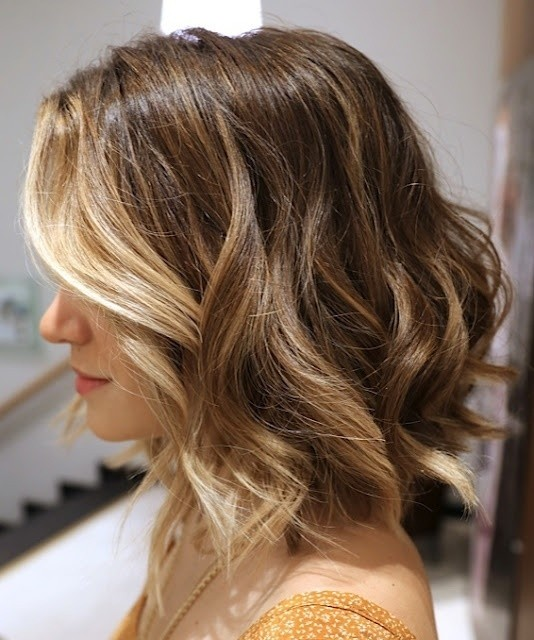 Medium wave bob hairstyle for ombre hair
