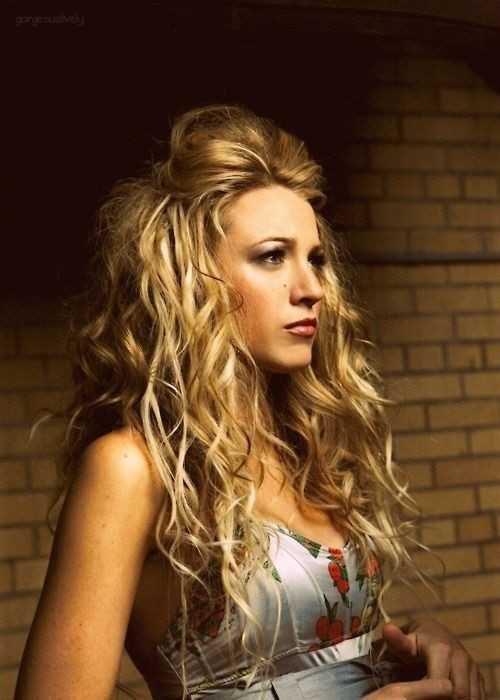 Long curly hairstyle for blonde hair