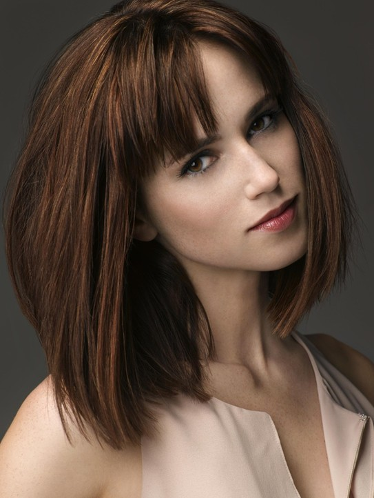Straight bob haircut for medium hairstyle