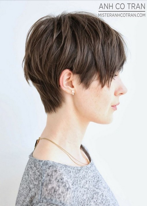 Nice short layered haircut