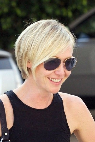 Portia de Rossi Short blonde hairstyle with layers
