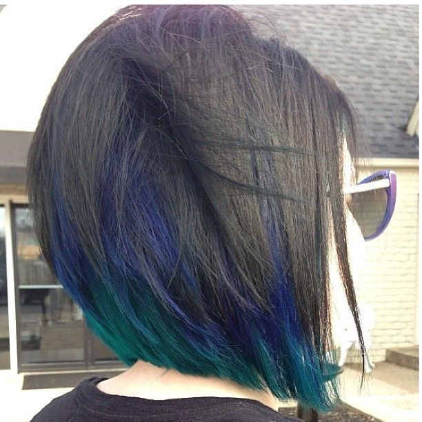 Dull bob hairstyle with blue highlights