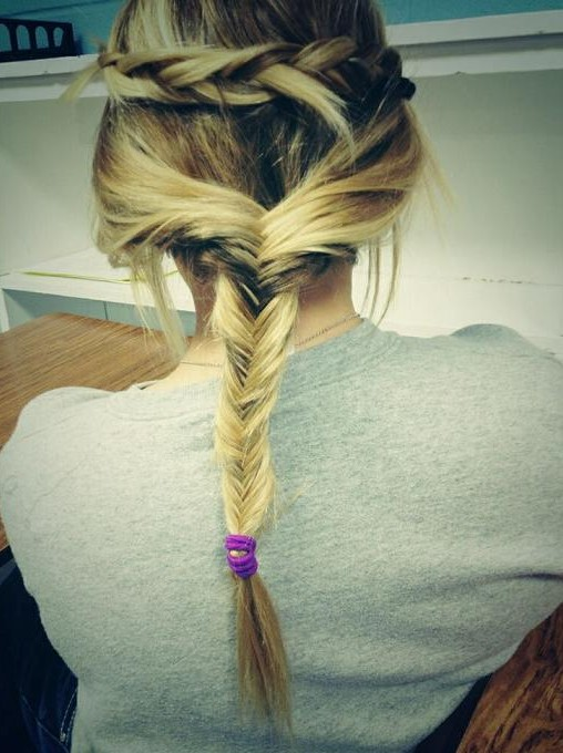 Fishtail Twist Braid hairstyle for the vacation