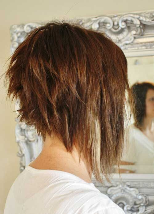 Chopped bob hairstyle for thick hair