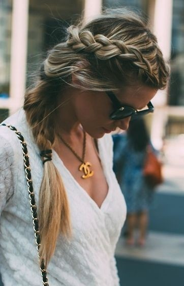 Perfect side braid hairstyle for autumn and winter