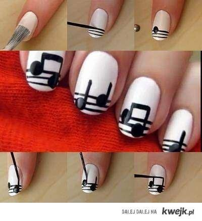 Nail DIY - Sheet Music Nail Art