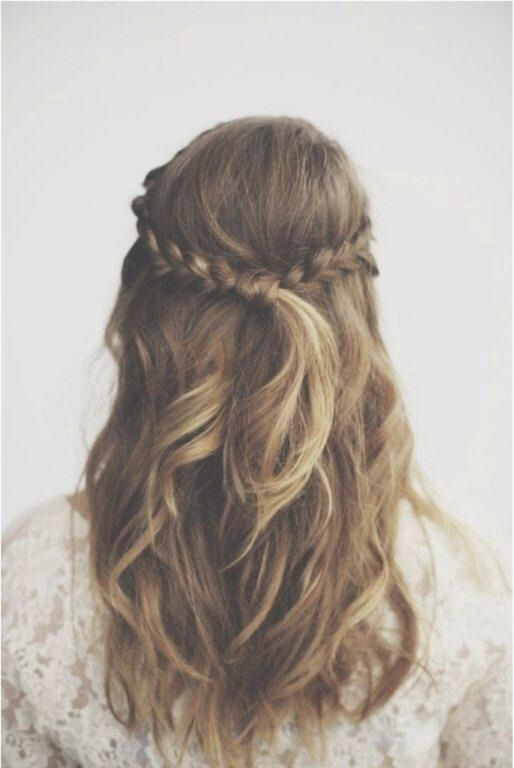 Braided hair for half up half down hairstyles